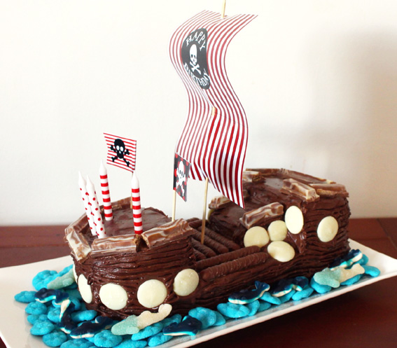 Pirate-Ship-Cake-3